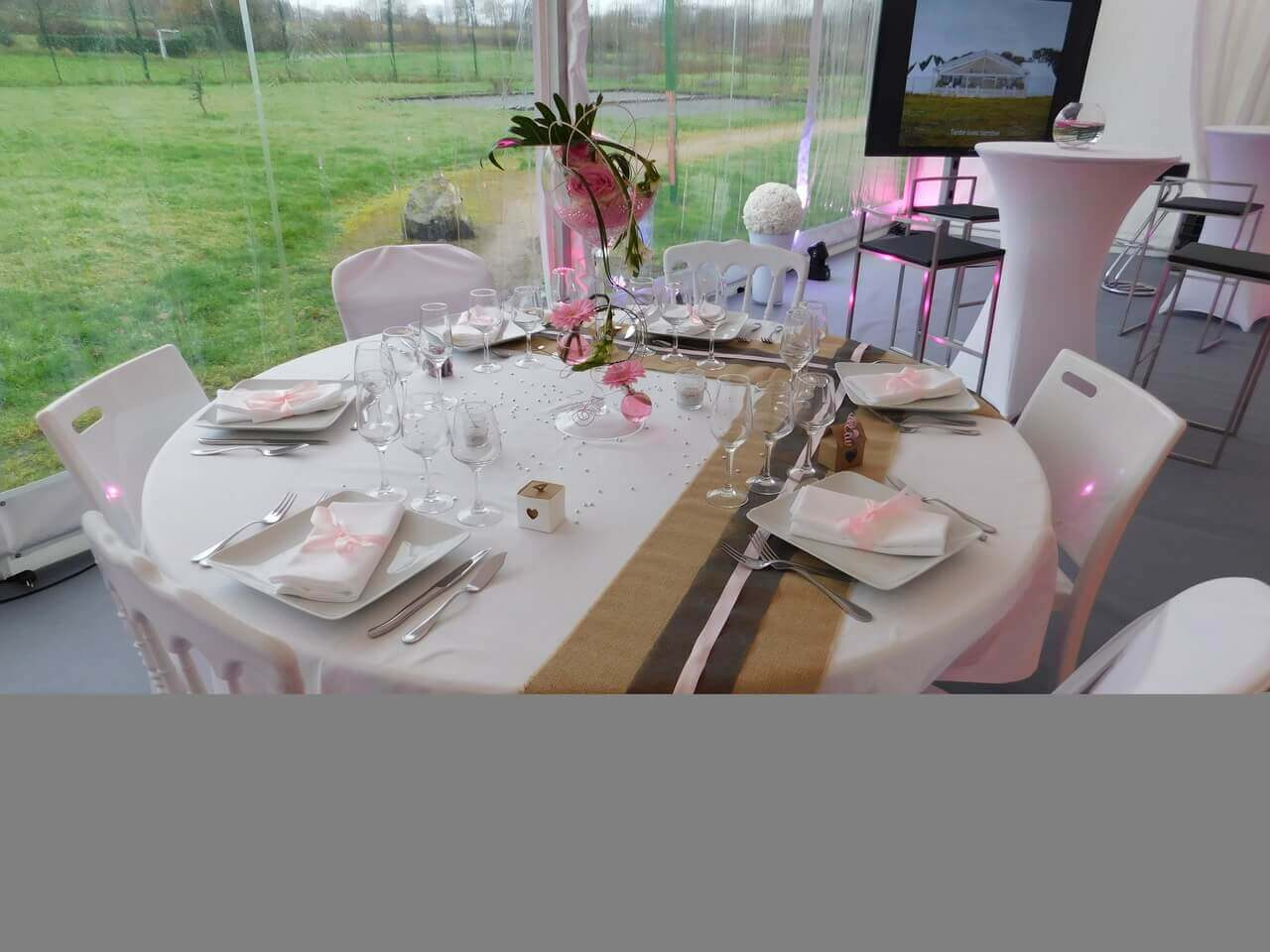 Table salon du mariage St Brice
